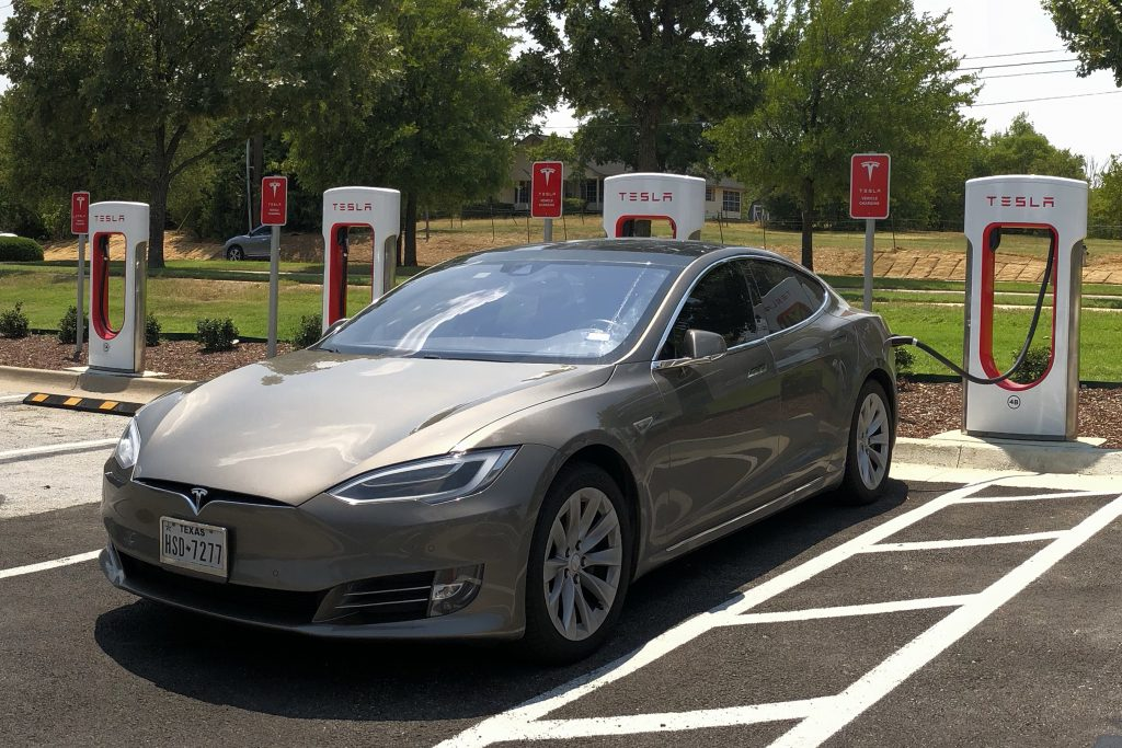 How Long Does it Take to Charge a Tesla? - How long does ...